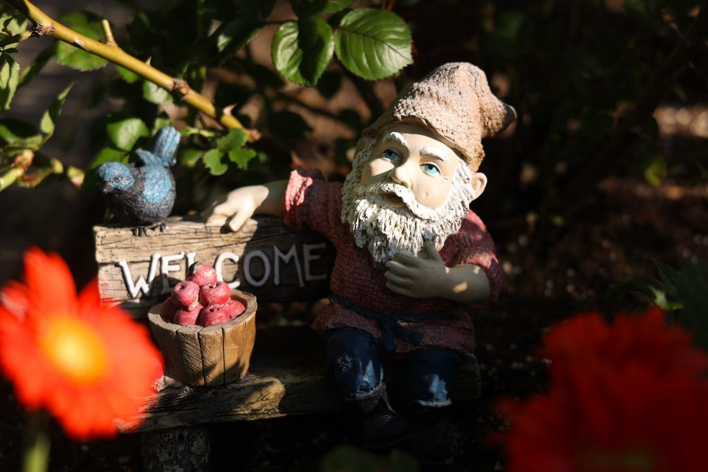 Tuinkabouter in de tuin